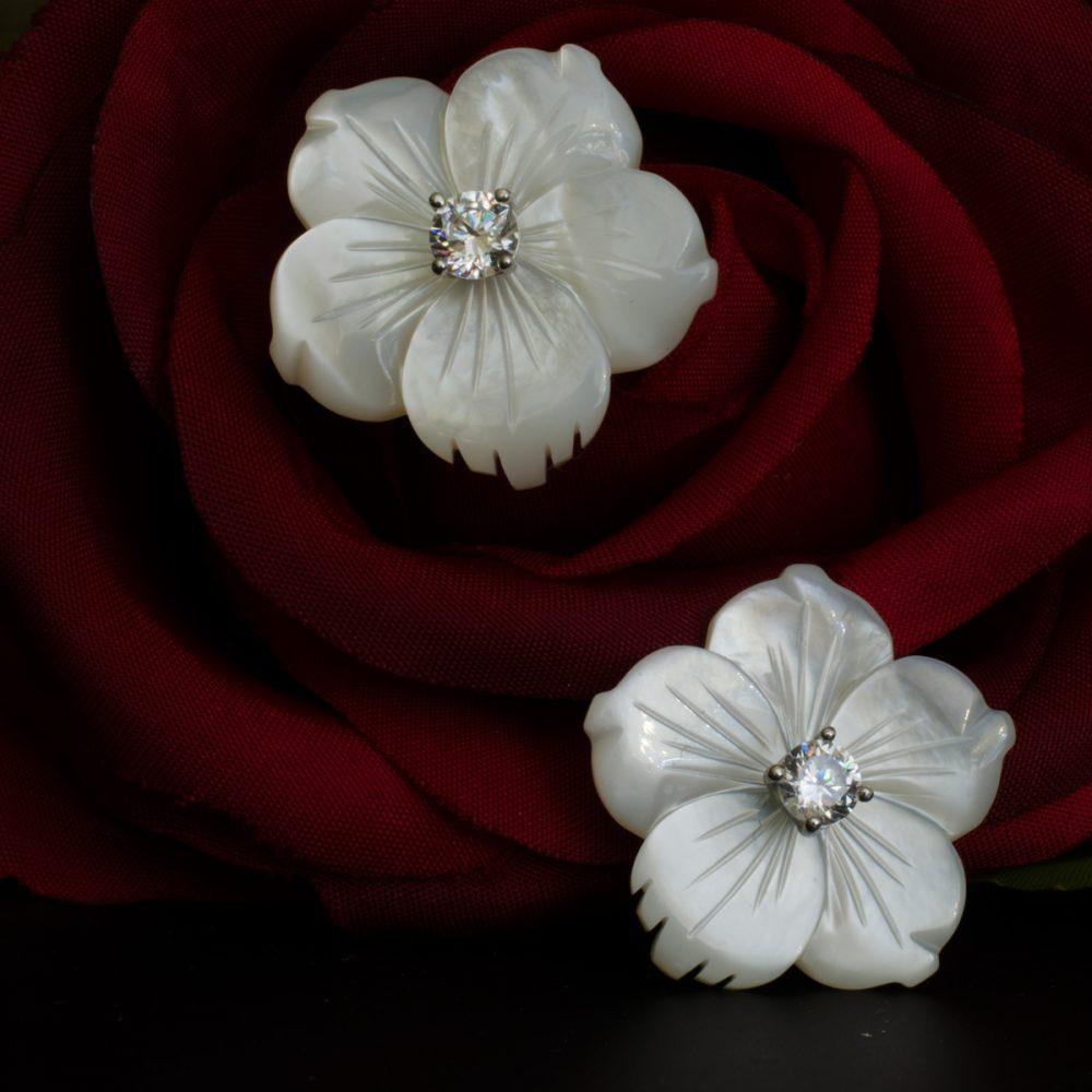 pendientes de nacar con plata una rosa